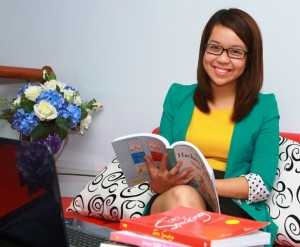 Ms Hoàng Anh - Shining Smile Messenger