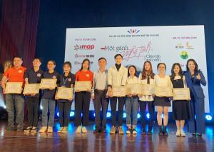 Anh ngữ Ms Hoa đồng hành chào 2000 tân sinh viên hội đồng hương Nghệ Tĩnh 2020