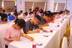 [Giáo dục thời đại] Gần 1.000 thí sinh tranh tài cuộc thi TOEIC miễn phí