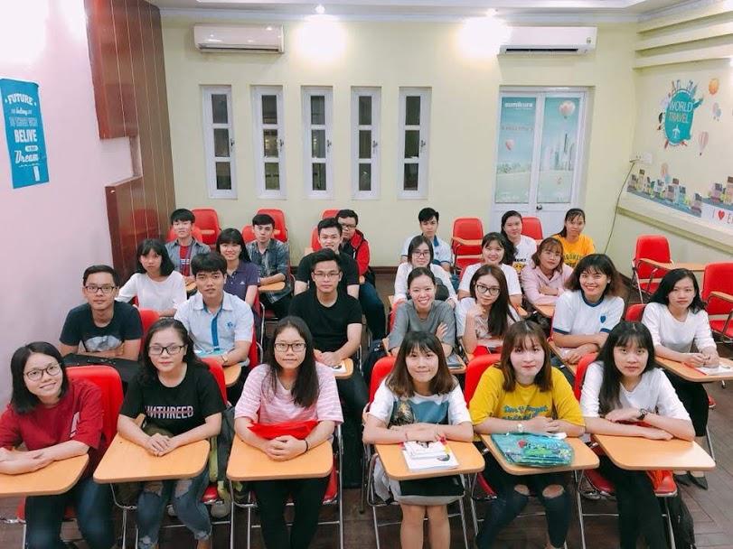 Một lớp luyện thi TOEICtại trung tâm Anh Ngữ Ms Hoa